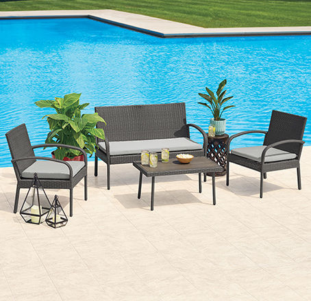 Medium Size Patio Sets. Seats up to 4.