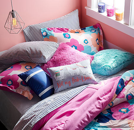 Dorm Bedding on a Budget