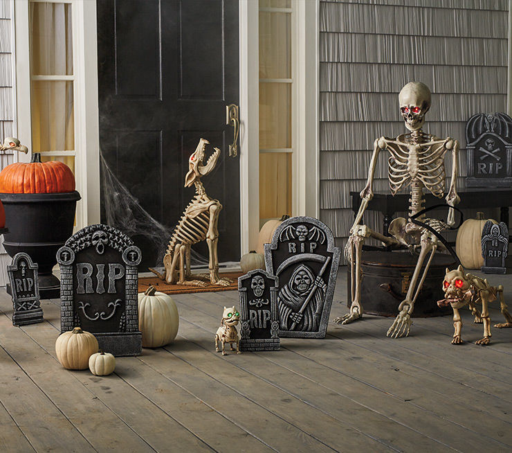 Pet Cemetary Halloween Decor