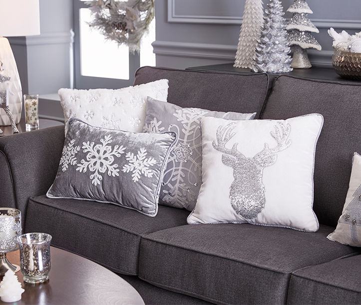 Living space holiday decor