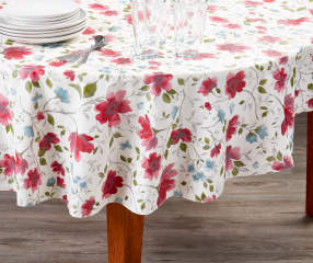 Great Gatherings Floral Red Amp Blue Vinyl Round Tablecloth