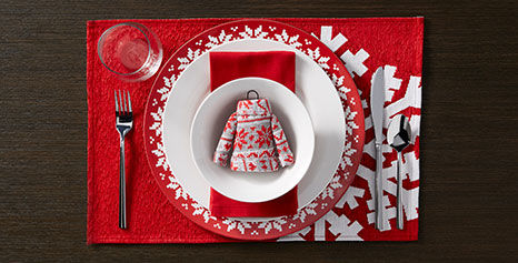 Merry Moments place setting