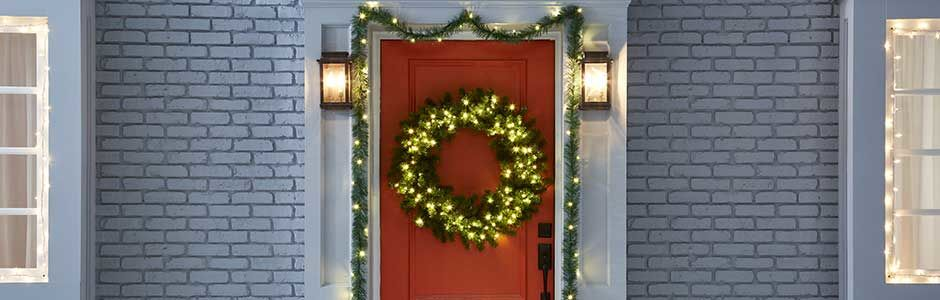 Outdoor Holiday Décor Ideas for the Front Porch