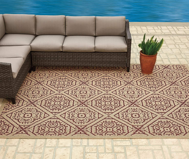 Augusta Tan and Red Tile Patio Rug 6 feet 7 inch x 9 feet silo front