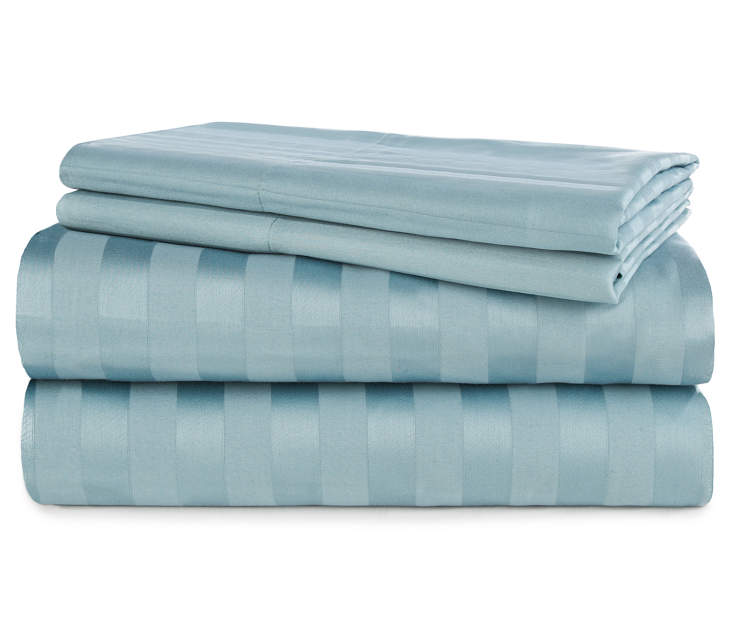 Cameo Blue 320 Thread Count 4 Piece Full Sheet Set Stacked Silo Image