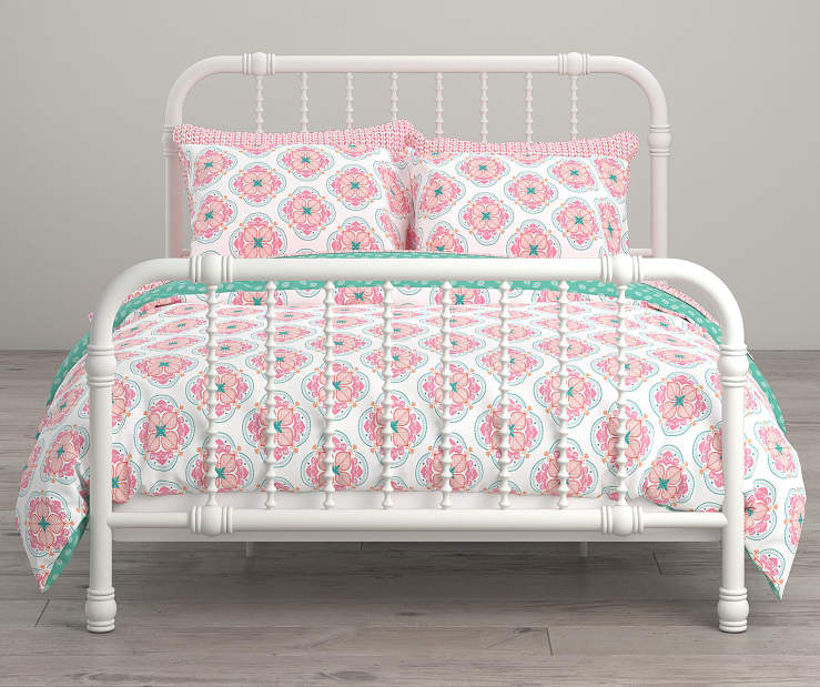 Cora Pink and White Flower Full 7 Piece Bedding Set lifestyle
