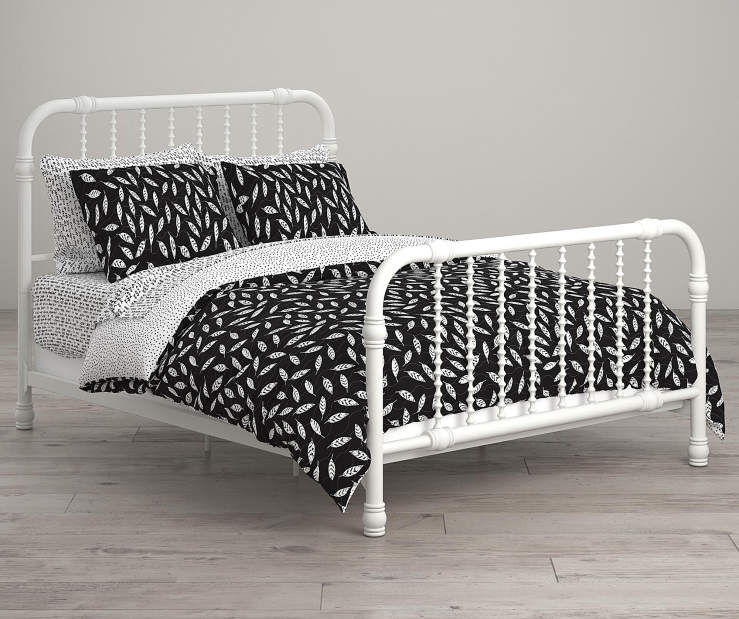Feathers Black and White Full 7 Piece Bedding Set lifestyle