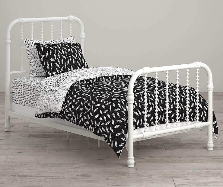 Feathers Black and White Twin 5 Piece Bedding Set lifestyle