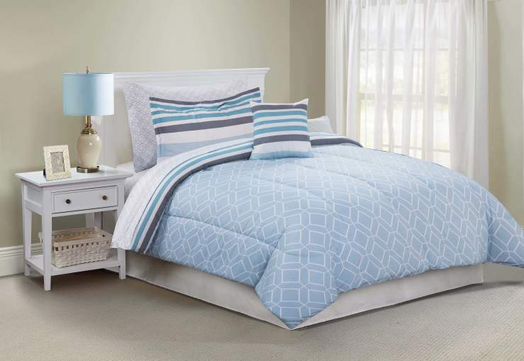 Jaymes Blue Stripe and Tile 6-Piece Twin Reversible Comforter Set Tile Side LIfestyle Image