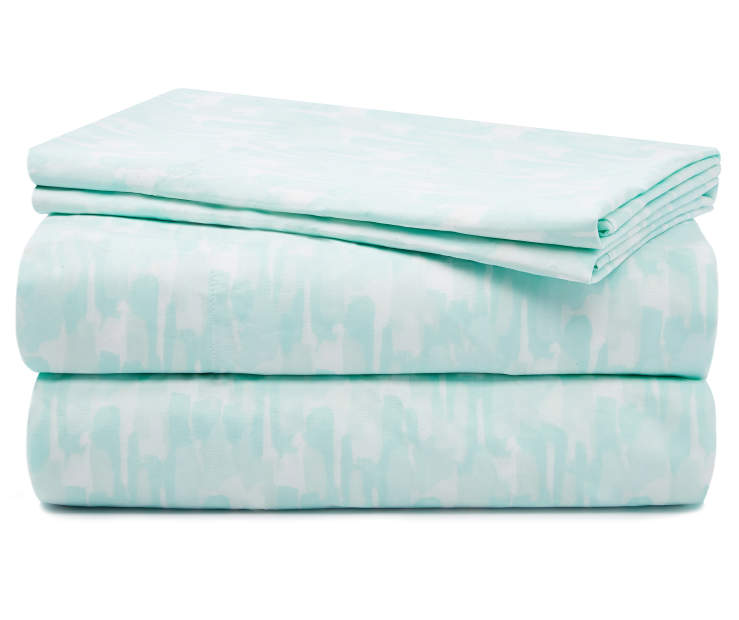Mint Jade Brushstrokes Microfiber King 4 Piece Sheet Set silo front