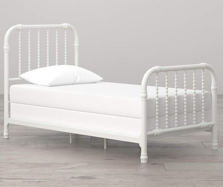 Monarch Hill Wren White Twin Metal Bed lifestyle