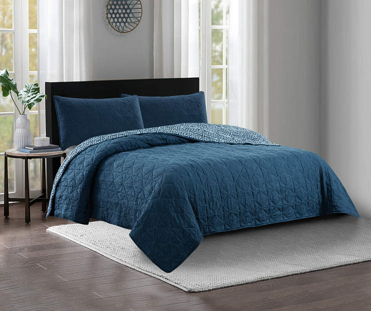 Navy Blue Crinkle Full and Queen 3 Piece Reversible Quilt Set Lifestyle Image Bedroom