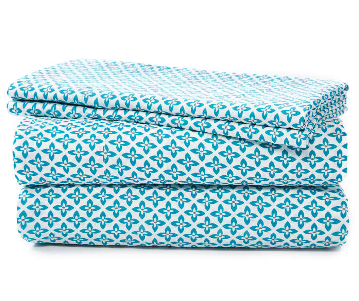Teal Geometric Flower Microfiber 4-Piece King Sheet Set Silo