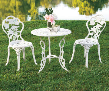 Wilson Fisher White Vintage Rose 3 Piece Bistro Table Chair Set