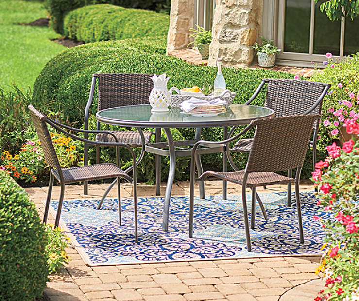 Enjoy A Casual Meal Outside While Relaxing In Pieces From The Wilson Fisher Mix And Match Patio Furniture Collection Brown All Weather Wicker