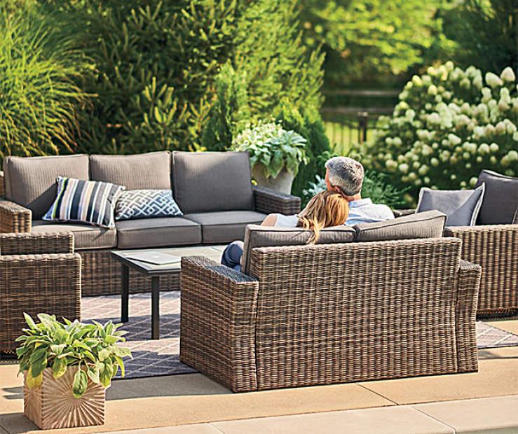 All Furniture Near Me: Wilson & Fisher Shadow Creek 5-Piece Patio Seating Set